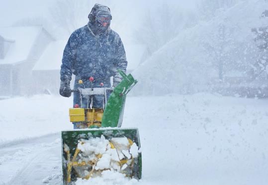 Уборка снега в Челябинске цена от 691 руб.