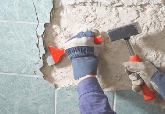 Демонтаж внутренней отделки в Челябинске цена от 753 руб.